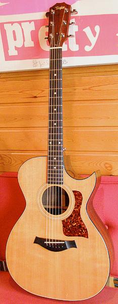 Santee Madeの「1991年製 Taylor 712C」が入荷デス!_e0053731_19461646.jpg