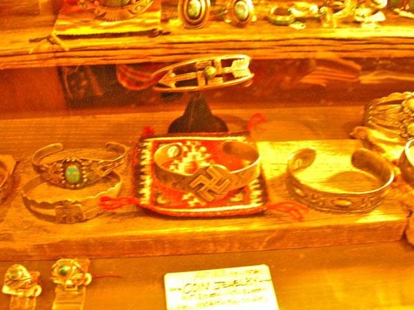 Harvey  style  jewelry_b0153207_195217.jpg
