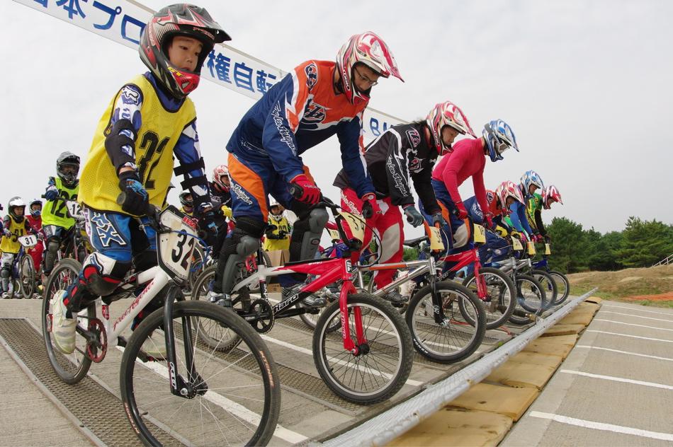 第55回全日本プロ選手権自転車競技大会BMX競技INひたち:公式練習の風景_b0065730_21592571.jpg