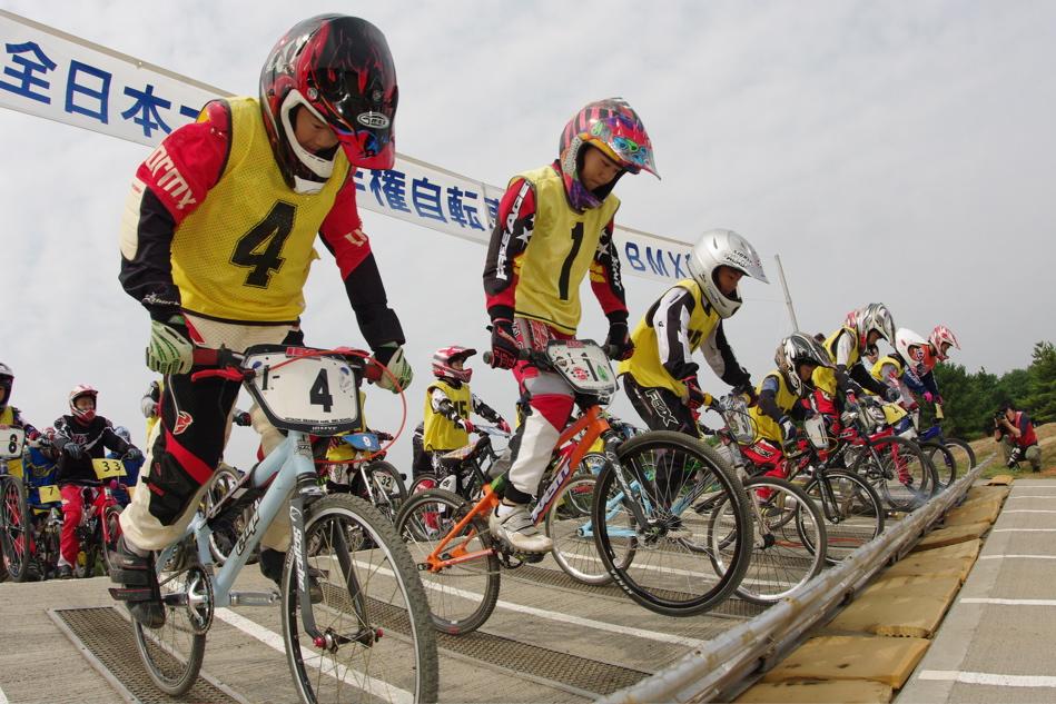 第55回全日本プロ選手権自転車競技大会BMX競技INひたち:公式練習の風景_b0065730_21593881.jpg