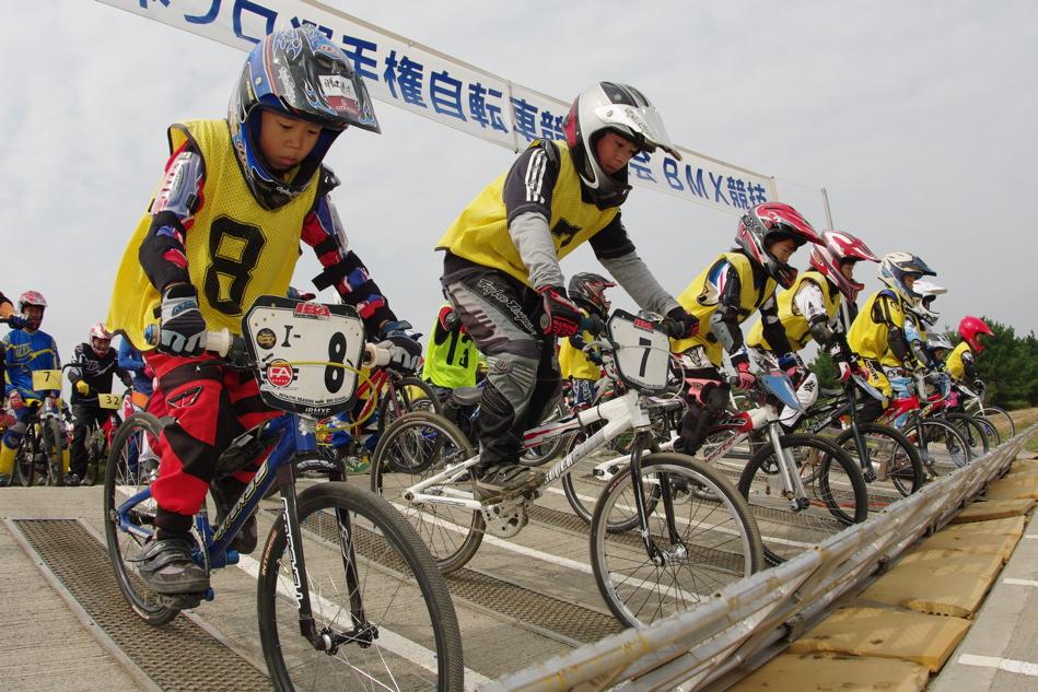 第55回全日本プロ選手権自転車競技大会BMX競技INひたち:公式練習の風景_b0065730_2203379.jpg