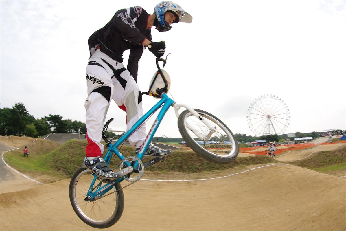 第55回全日本プロ選手権自転車競技大会BMX競技INひたち:公式練習の風景_b0065730_2224413.jpg