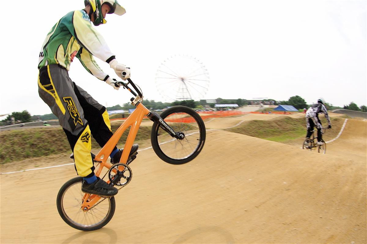 第55回全日本プロ選手権自転車競技大会BMX競技INひたち:公式練習の風景_b0065730_2231768.jpg