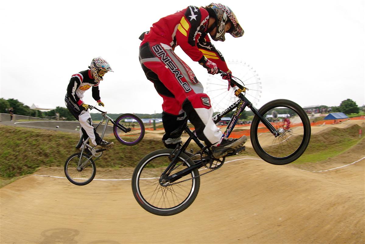 第55回全日本プロ選手権自転車競技大会BMX競技INひたち:公式練習の風景_b0065730_2232890.jpg