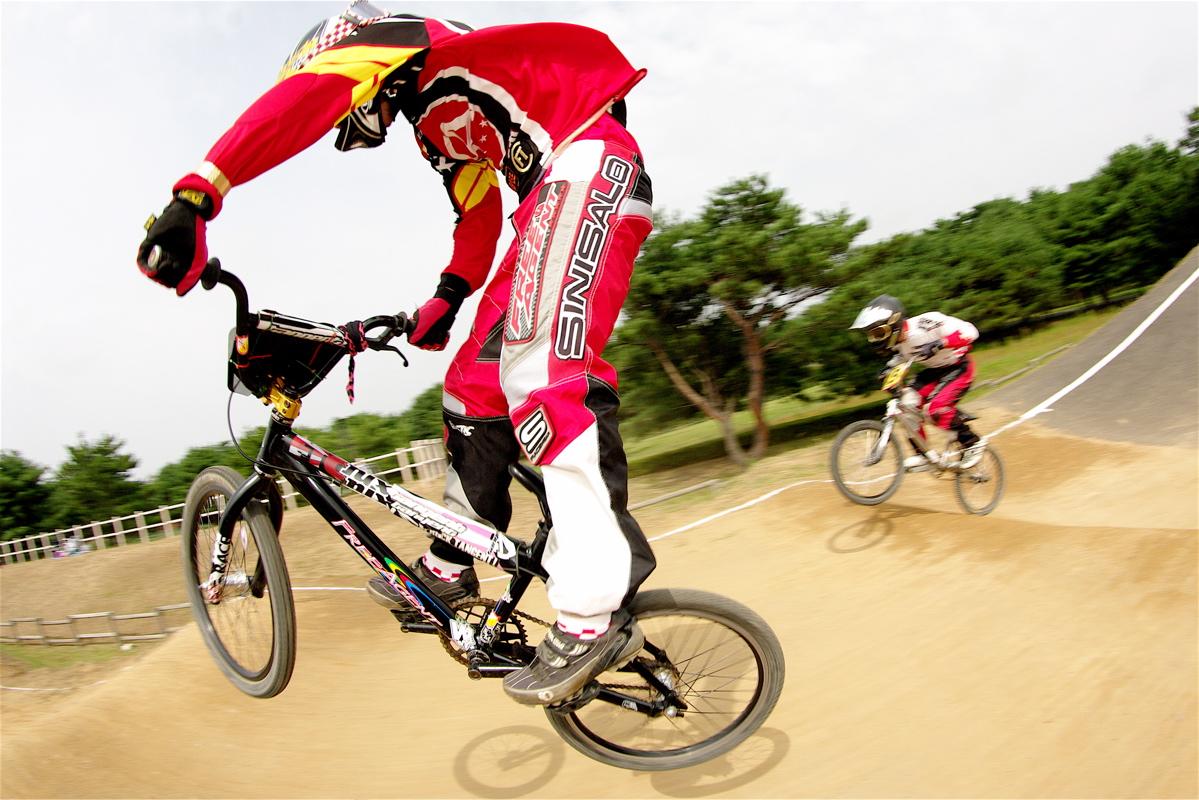 第55回全日本プロ選手権自転車競技大会BMX競技INひたち:公式練習の風景_b0065730_2234951.jpg