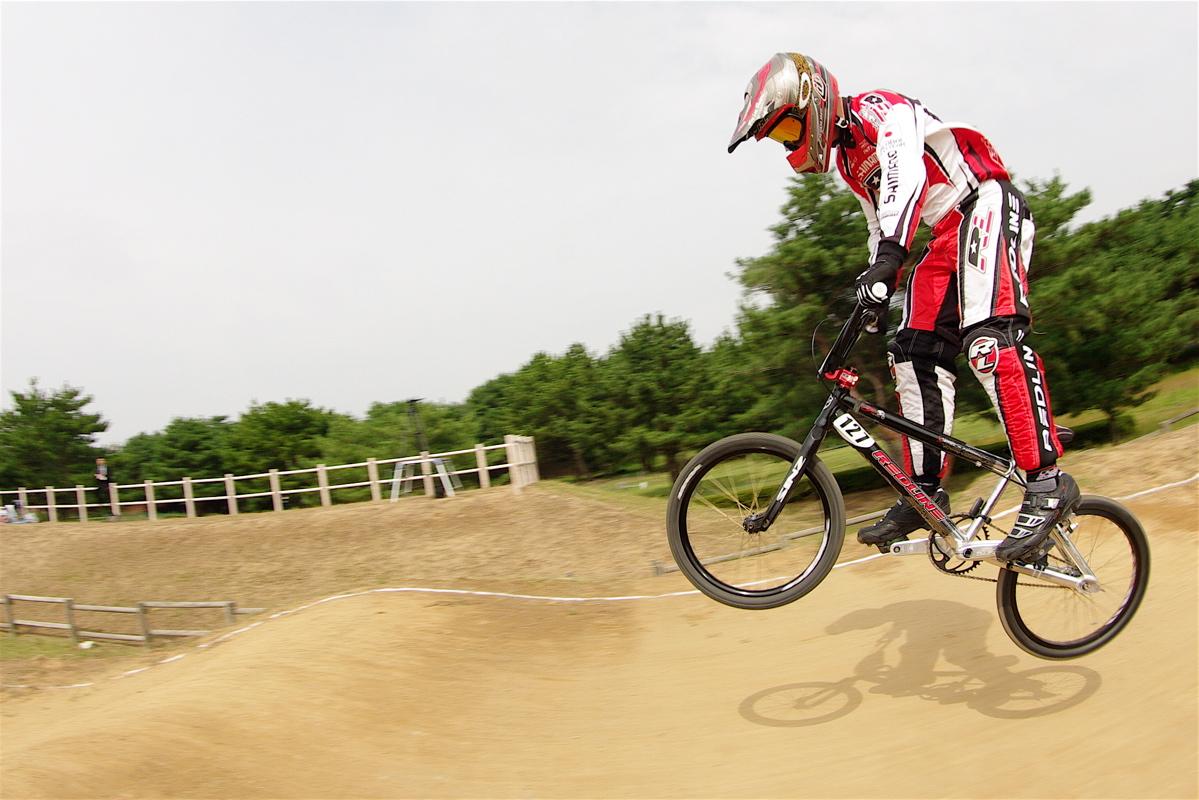第55回全日本プロ選手権自転車競技大会BMX競技INひたち:公式練習の風景_b0065730_224087.jpg