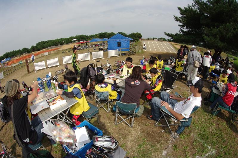 第55回全日本プロ選手権自転車競技大会BMX競技INひたち:最終回コース外の風景_b0065730_2328686.jpg