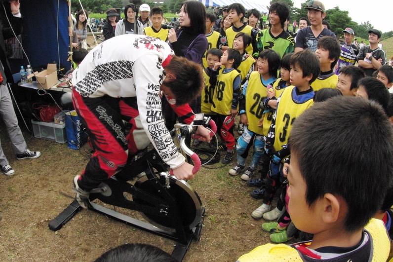 第55回全日本プロ選手権自転車競技大会BMX競技INひたち:最終回コース外の風景_b0065730_23344159.jpg