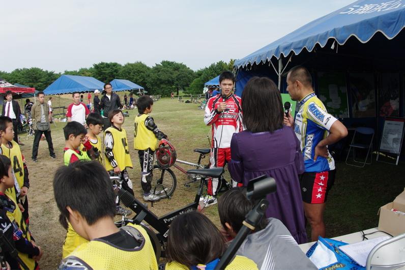 第55回全日本プロ選手権自転車競技大会BMX競技INひたち:最終回コース外の風景_b0065730_2341736.jpg