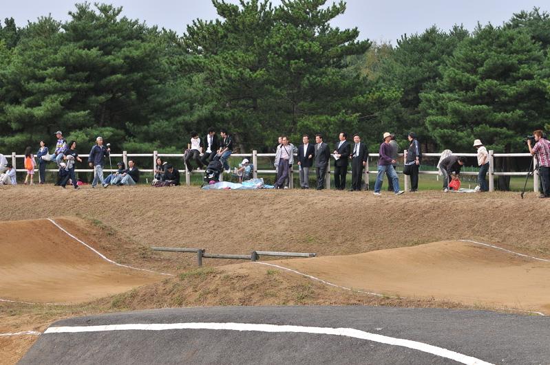 第55回全日本プロ選手権自転車競技大会BMX競技INひたち:最終回コース外の風景_b0065730_2394815.jpg