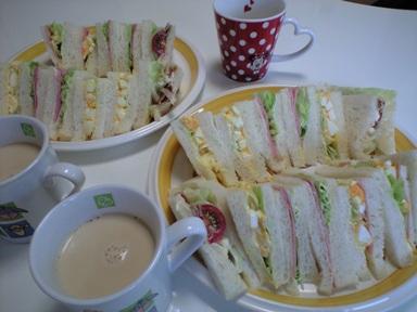 無性に食べたくなった・・・ サンドイッチ~♪_e0123286_17165771.jpg