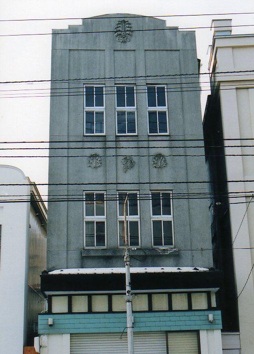 函館銀座通り・レトロ建築コレクション(その6、銀座の天満つ蕎麦店)_f0142606_22394259.jpg