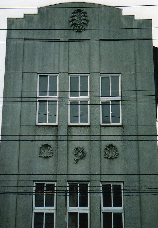 函館銀座通り・レトロ建築コレクション(その6、銀座の天満つ蕎麦店)_f0142606_22433354.jpg