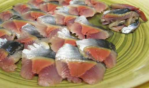 空飛ぶ秋刀魚!_c0119140_12572261.jpg