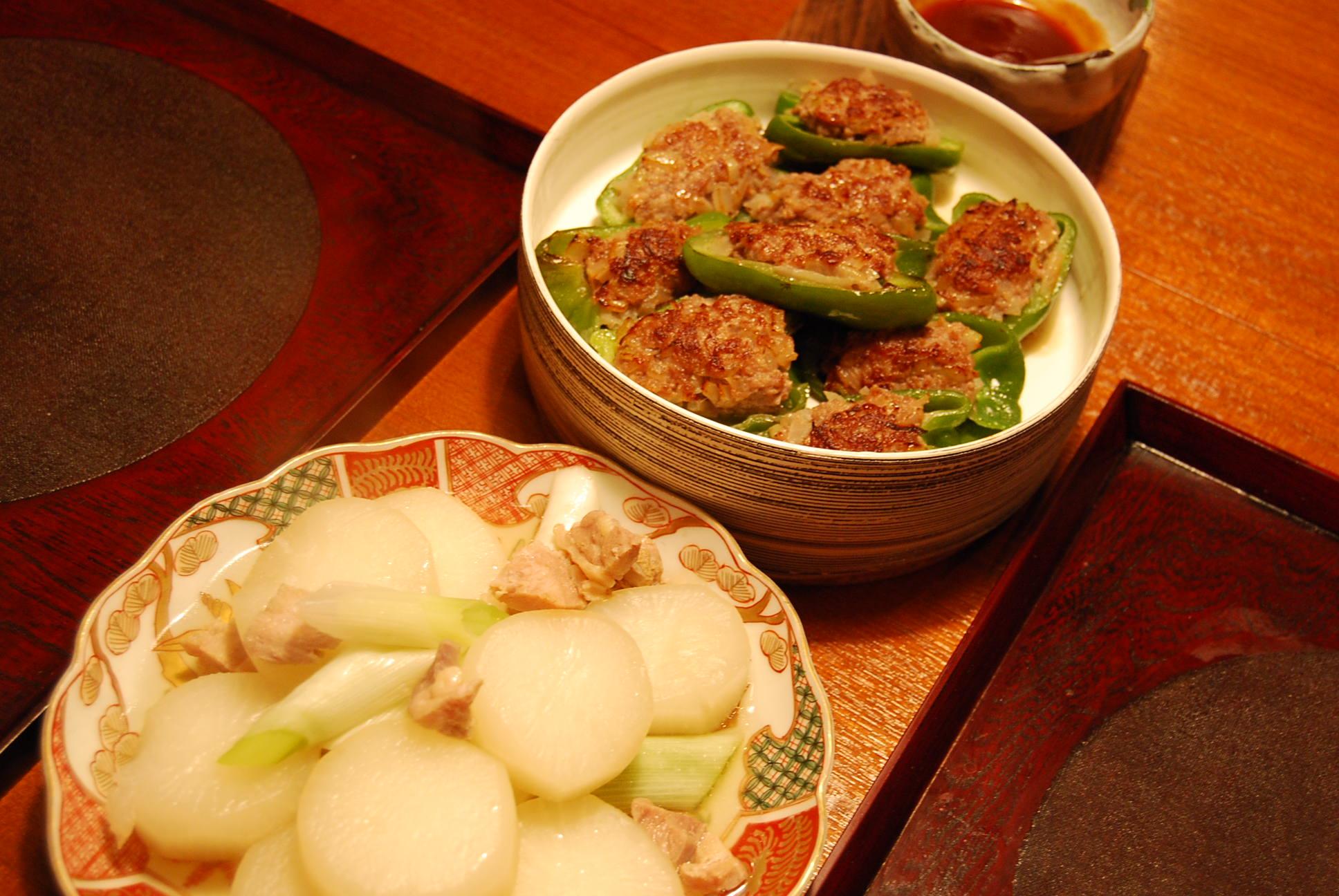 ピーマンの肉詰め 大根と鶏の煮物_e0142956_19593577.jpg
