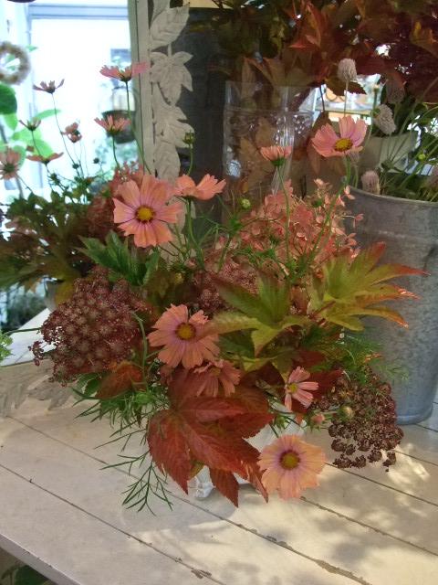 オークリーフ花の教室(中山さんの作品)_f0049672_16344019.jpg
