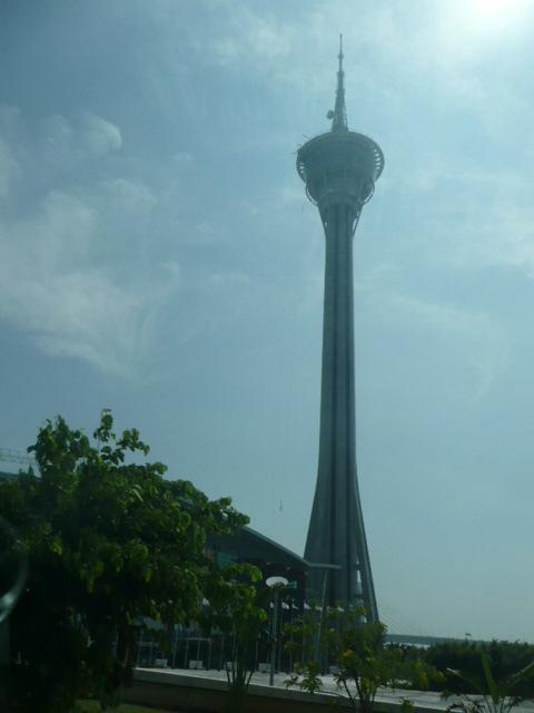 香港・マカオで一番高い展望台に登りました♪_f0099147_8131523.jpg