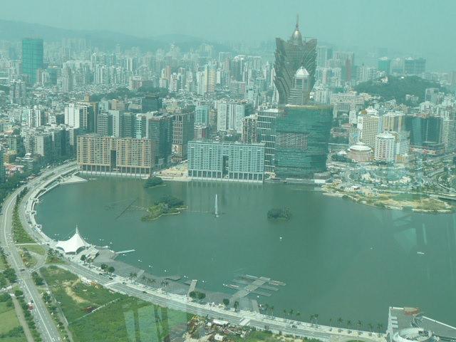 香港・マカオで一番高い展望台に登りました♪_f0099147_816471.jpg