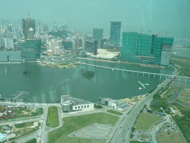 香港・マカオで一番高い展望台に登りました♪_f0099147_8185120.jpg