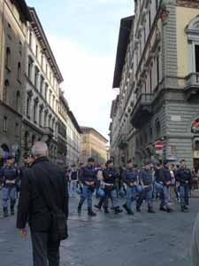 学生デモとイタリア_f0106597_1632247.jpg