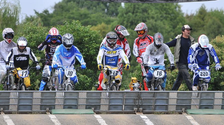 2008セイリンカップVOL2:スーパークラス予選第3ヒート〜準決勝_b0065730_19464436.jpg