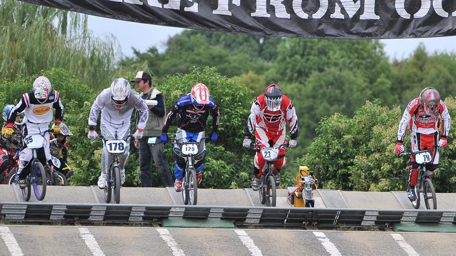 2008セイリンカップVOL2:スーパークラス予選第3ヒート〜準決勝_b0065730_19503060.jpg