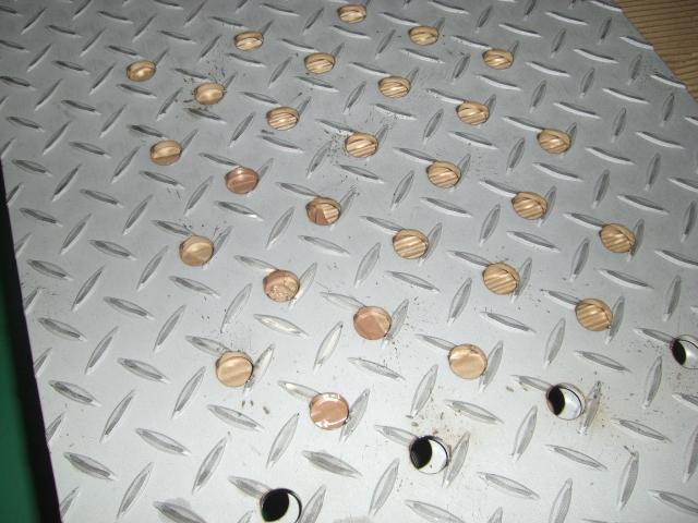縞板とパンチングメタル_d0085634_18304847.jpg