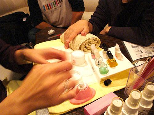 ネイルカンパニーの佐藤瑛利子さんに「グラスネイル」を教わった!_c0137404_2313654.jpg