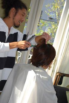 出張美容院&披露宴のヘアメイク、お色直しの前髪カット_f0179528_124946.jpg