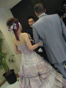ドレス刺繍にうっとりでした。。。。_c0043737_2133539.jpg