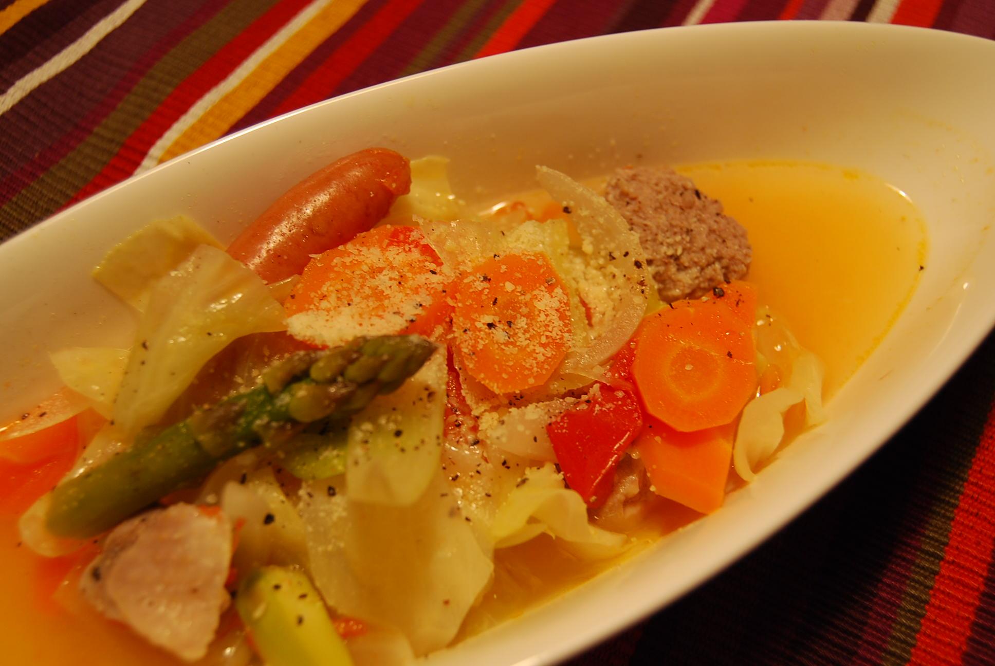 ルクルーゼで野菜スープ_e0142956_9241269.jpg