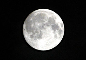 秋は、月_b0145296_10344519.jpg