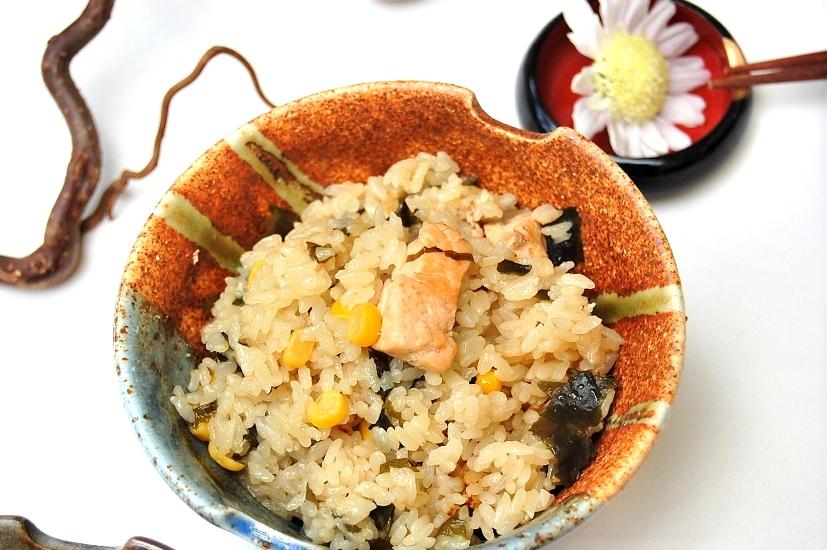 鮭とコーンの炊き込みごはん味噌バター風味_d0104926_30202.jpg
