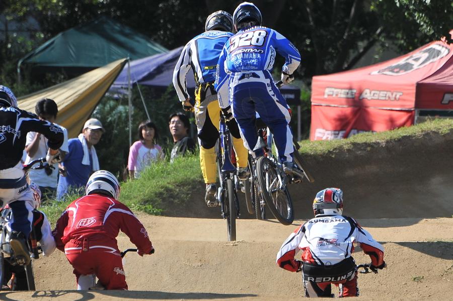 2008JBMXF西日本BMX選手権大会IN大阪VOL 6:年齢別クラス決勝その1_b0065730_19334525.jpg