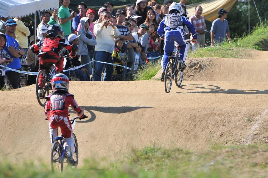 2008JBMXF西日本BMX選手権大会IN大阪VOL 6:年齢別クラス決勝その1_b0065730_19373050.jpg