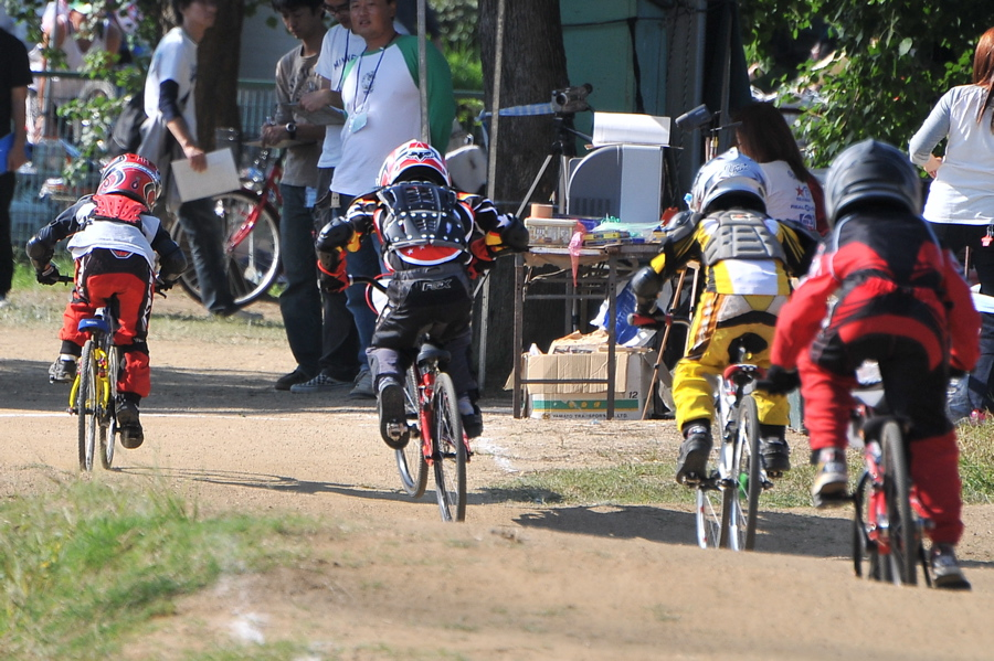 2008JBMXF西日本BMX選手権大会IN大阪VOL 6:年齢別クラス決勝その1_b0065730_19401396.jpg