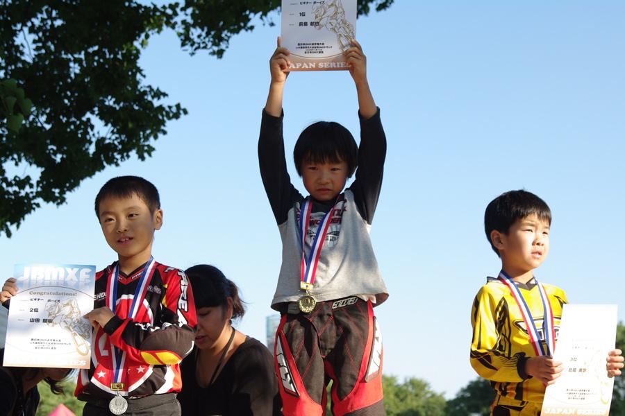 2008JBMXF西日本BMX選手権大会IN大阪VOL 6:年齢別クラス決勝その1_b0065730_1941033.jpg
