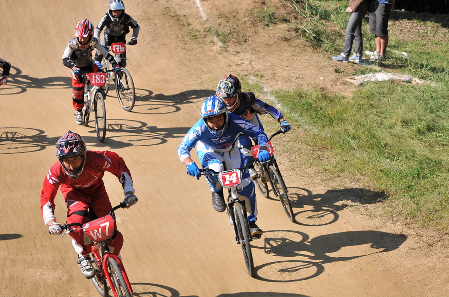 2008JBMXF西日本BMX選手権大会IN大阪VOL 6:年齢別クラス決勝その1_b0065730_19453823.jpg