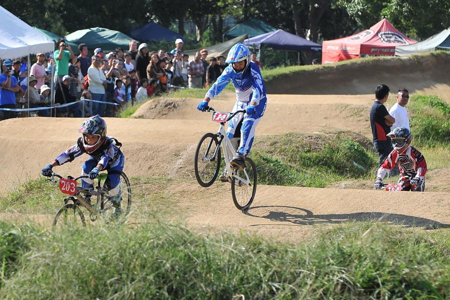 2008JBMXF西日本BMX選手権大会IN大阪VOL 6:年齢別クラス決勝その1_b0065730_19463730.jpg