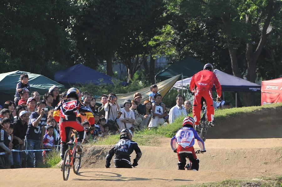 2008JBMXF西日本BMX選手権大会IN大阪VOL 9:年齢別クラス決勝その4_b0065730_2332046.jpg