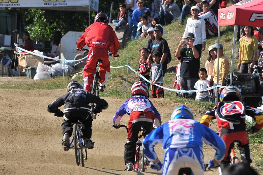 2008JBMXF西日本BMX選手権大会IN大阪VOL 9:年齢別クラス決勝その4_b0065730_23324743.jpg