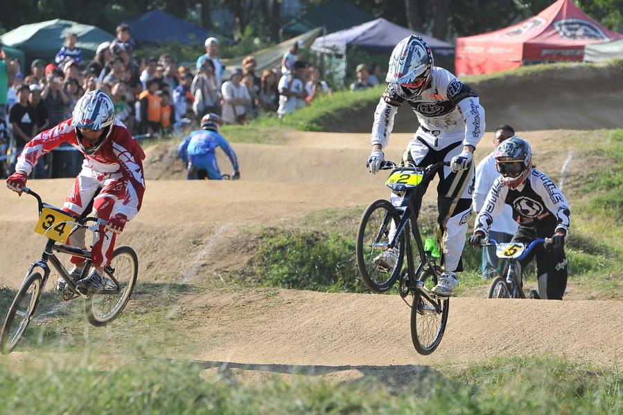 2008JBMXF西日本BMX選手権大会IN大阪VOL 9:年齢別クラス決勝その4_b0065730_23352353.jpg