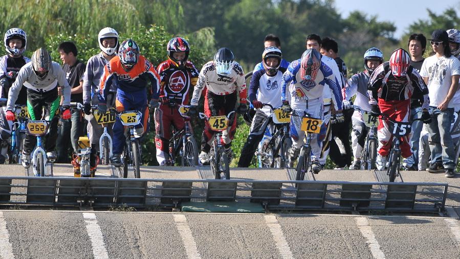 2008JBMXF西日本BMX選手権大会IN大阪VOL 9:年齢別クラス決勝その4_b0065730_2341217.jpg