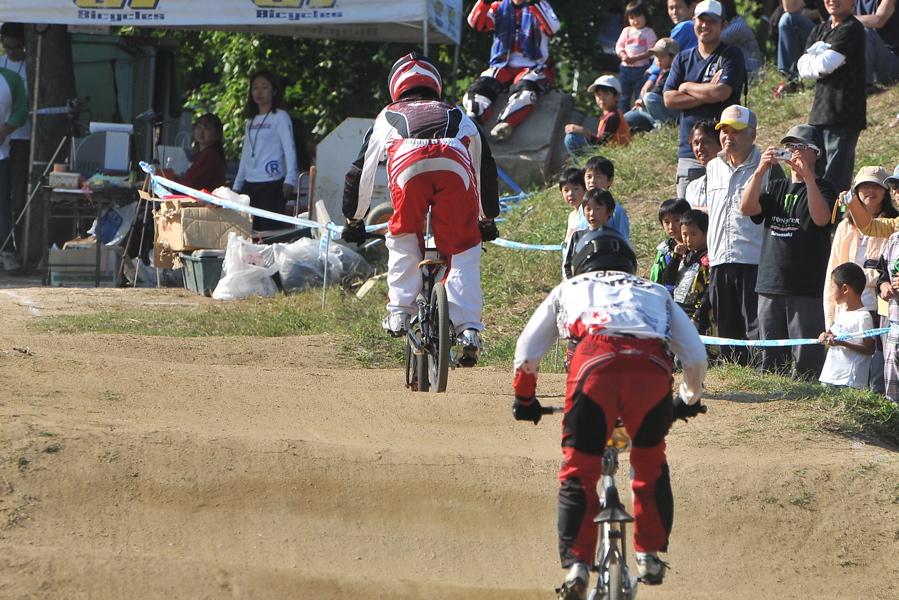2008JBMXF西日本BMX選手権大会IN大阪VOL 9:年齢別クラス決勝その4_b0065730_23425810.jpg