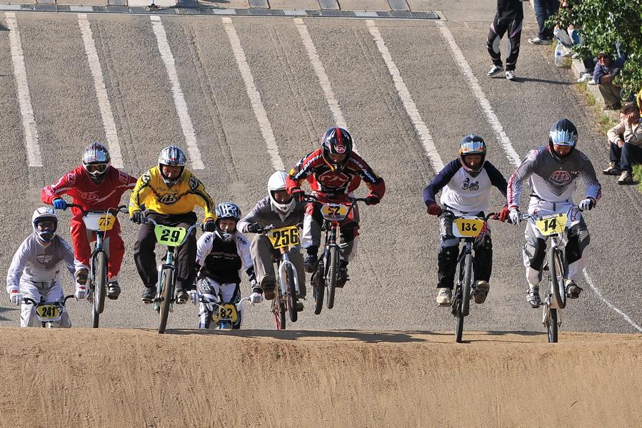 2008JBMXF西日本BMX選手権大会IN大阪VOL 9:年齢別クラス決勝その4_b0065730_23444012.jpg
