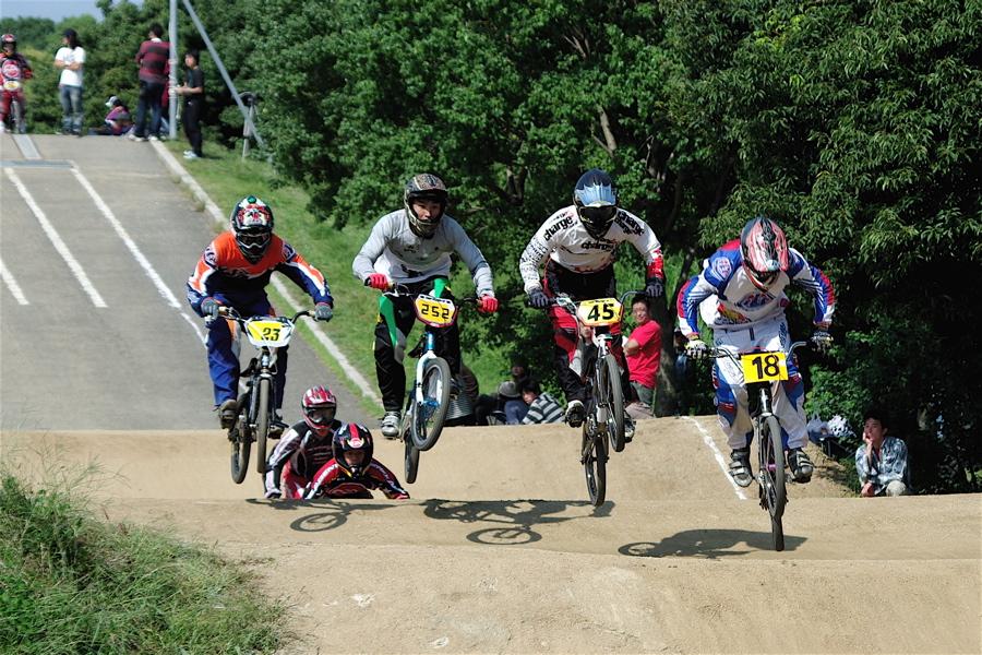 2008JBMXF西日本BMX選手権大会IN大阪VOL 5:年齢別クラス予選その2_b0065730_6481426.jpg