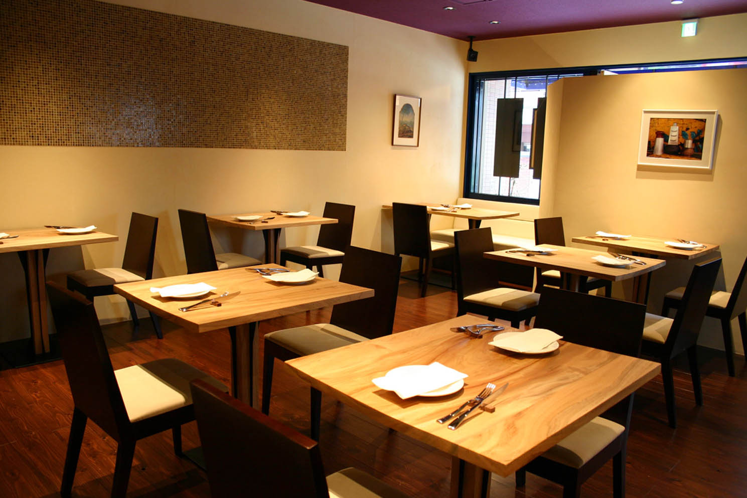 La Base  ラ バーズ フランスの食堂_f0171785_1735241.jpg