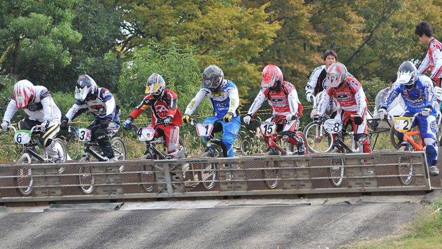 2008JOSF10月緑山定期戦VOL 1:BMXエリートクラス決勝_b0065730_19522523.jpg