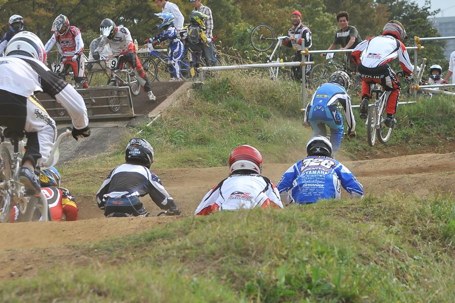 2008JOSF10月緑山定期戦VOL 1:BMXエリートクラス決勝_b0065730_1954692.jpg