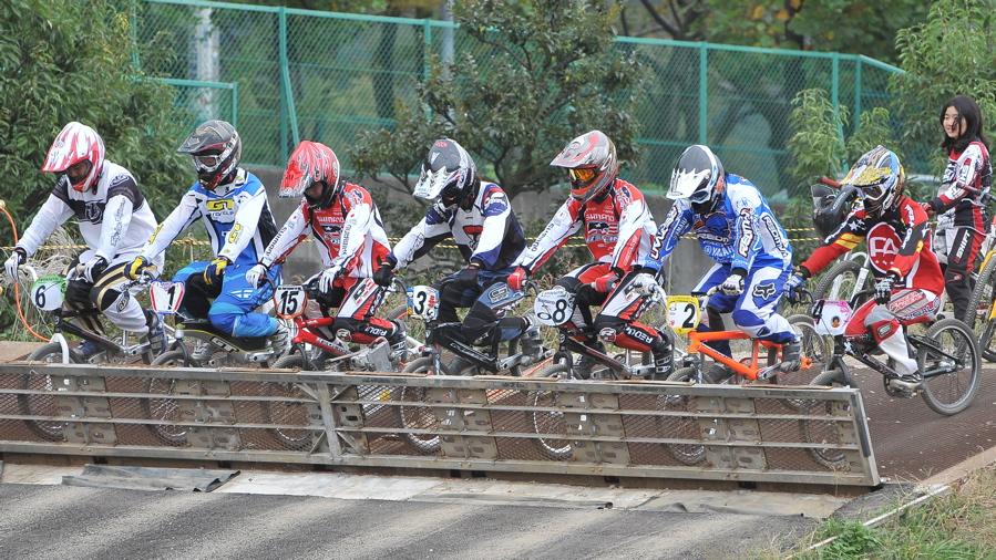 2008JOSF10月緑山定期戦VOL 1:BMXエリートクラス決勝_b0065730_195642100.jpg
